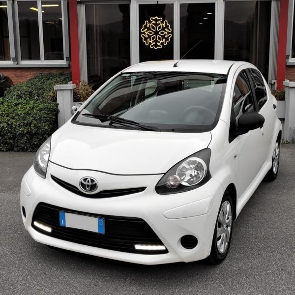 TOYOTA Aygo 1.0 Now Connect 5p